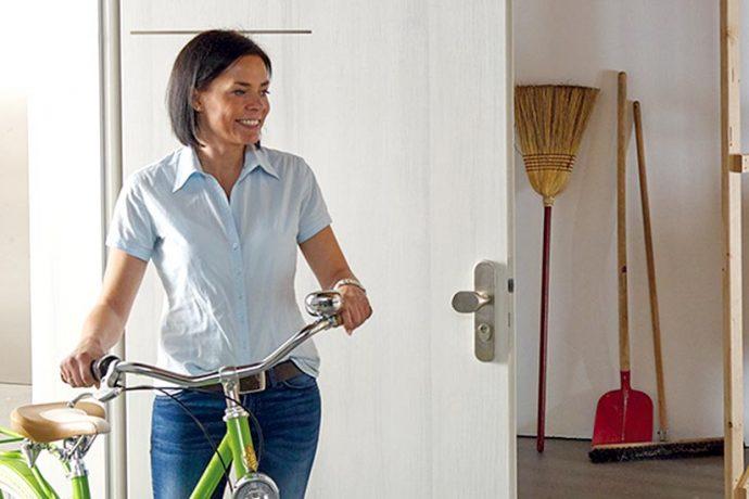 Echte »Multitasker«: Türen mit Wärmedämmschutz<br> beeinflussen das Wohnklima.